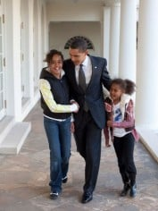 Barack and his daughters