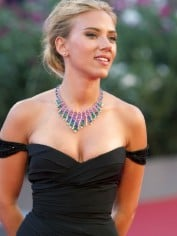 scarlett johansson new hair