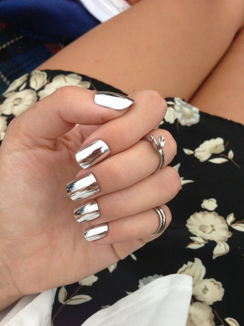 Mirrored nails and metallic nails: how-to get the look with nail wraps