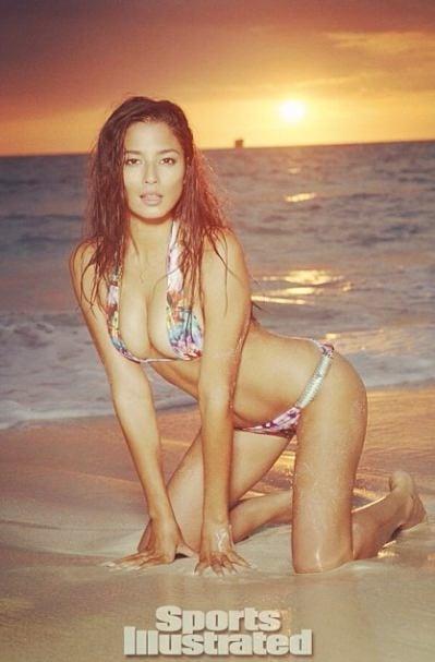 Lara Bingle bikini