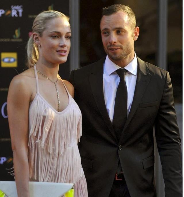 Oscar Pistorius vomits