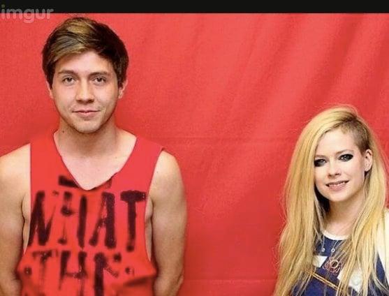 Avril Lavigne awkward fan photos