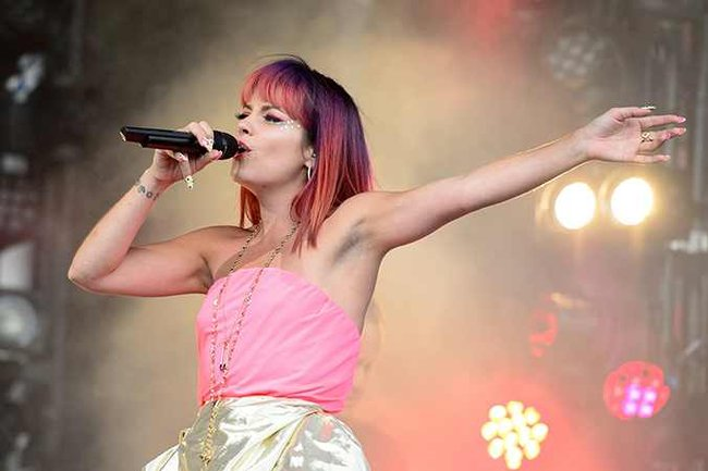 What's the most 'shocking' thing about this photo of Lily Allen?