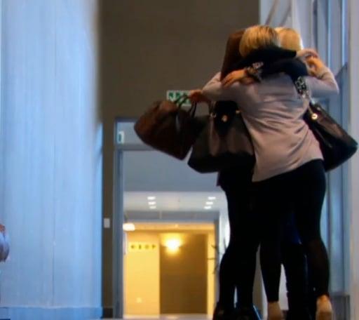 bach-girls-at-airport