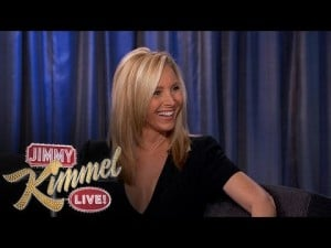 Video thumbnail for youtube video Lisa Kudrow reveals Monica Gellar was considered to be 'slutty'. WHAAAT? - Mamamia