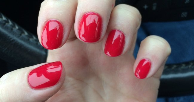 how to make your weak nails stronger
