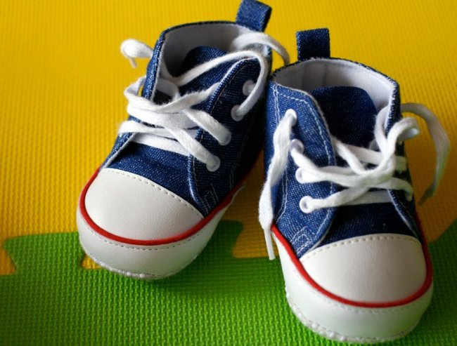 Baby shoes lead image