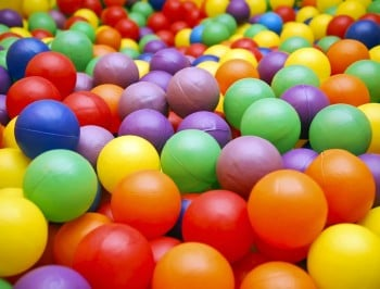 WATCH: Prankster dad turns his entire home into a ball pit.