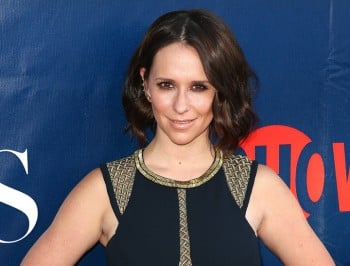 jennifer love hewitt gave birth