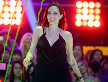 angelina jolie nickelodeon awards
