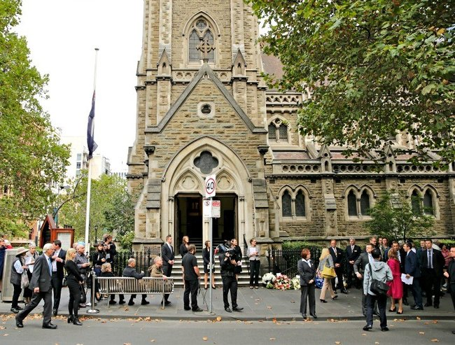 Thousands gather to farewell former PM Malcolm Fraser.