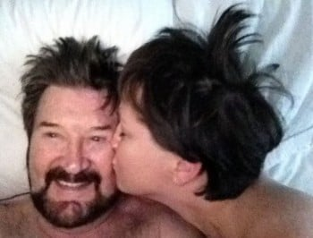 Derryn Hinch has broken up with his girlfriend, and she is not taking it so well.