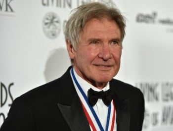 Harrison Ford injured after plane crash.