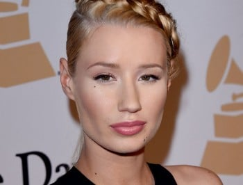 iggy azalea has breast implants