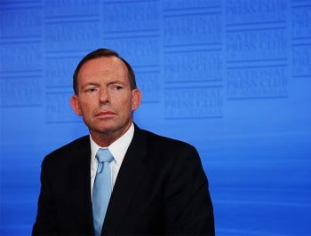 Tony Abbott's received text messages to sack chief of staff Peta Cradling.