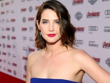 Cobie Smulders says she was diagnosed with ovarian cancer at 25.