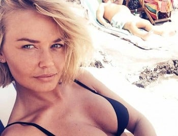 lara bingle exercising