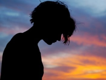 Youth mental health service Headspace facing funding crisis, experts warn.
