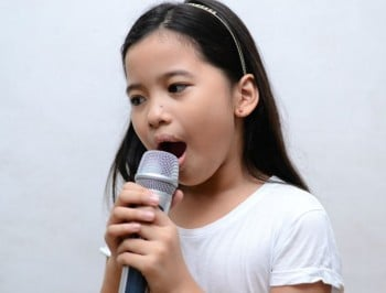Kid singing feature