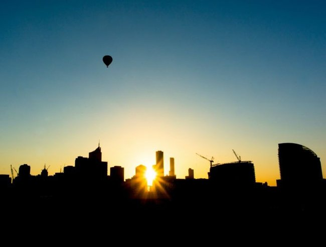 MelbournSunriseFeature