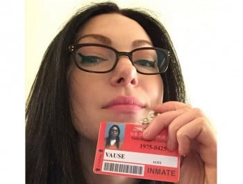 Laura Prepon spoke to a Scientology magazine; wants you to know she