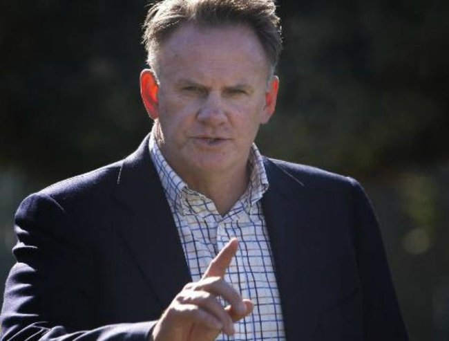 Mark Latham pointing feature