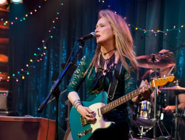 Ricky (Meryl Streep) performs at the Salt Well in TriStar Pictures' RICKI AND THE FLASH.