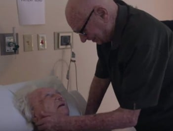 Man sings to dying wife 720x547
