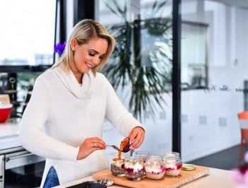 Former Bachelor contestant, Louise Pillidge, has launched a lifestyle blog - and it