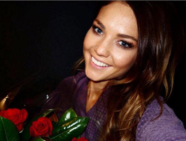 sam frost 2