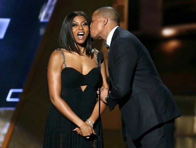 awkward kiss terrence howard