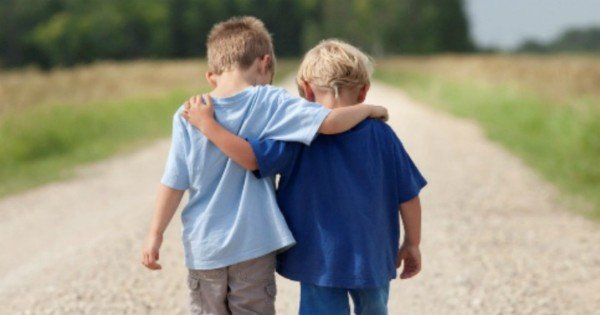 little-boys-friendship-feature