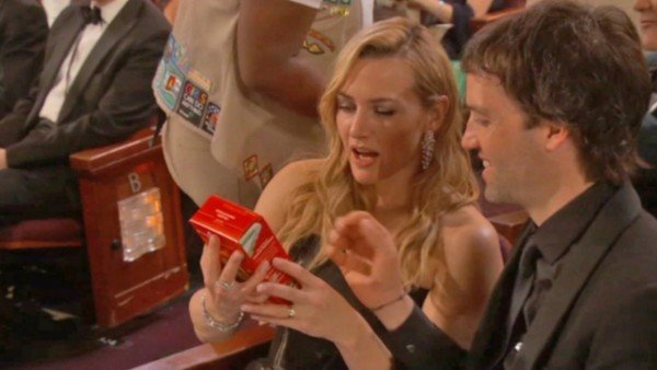 kate-winslet-girl-scout-cookies-oscars