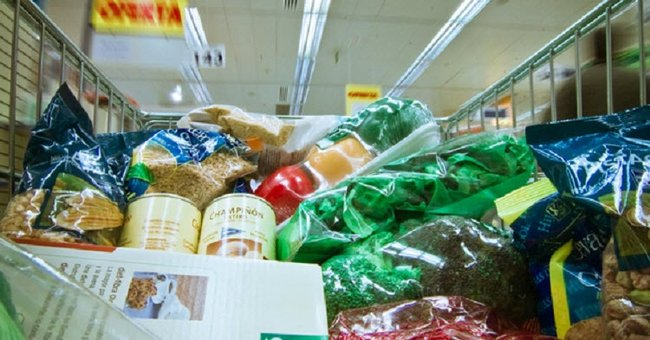 Study reveals that supermarkets are making us fat.