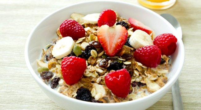 How to make cereal healthier in 5 steps 5 easy ways to make your bowl of cereal even healthier ccuart Gallery