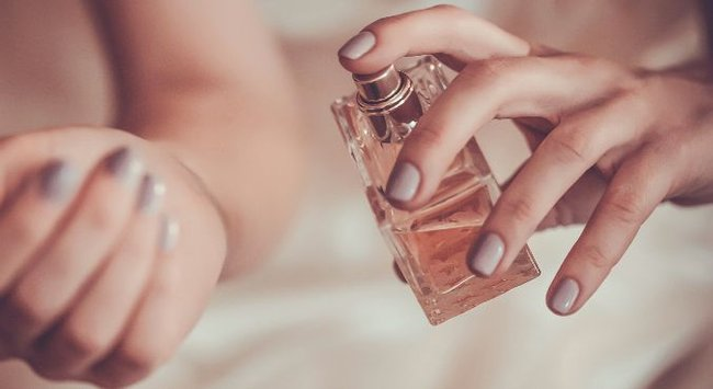 How to make perfume last longer? There's one simple trick