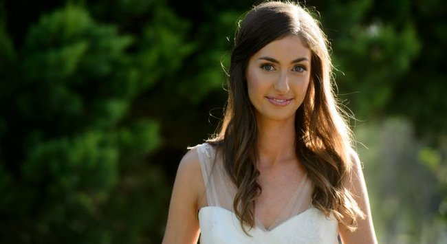 The Glow's editor got married! Take a look at her hair and makeup.