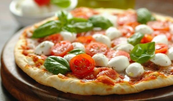 vegetarian pizza via istock