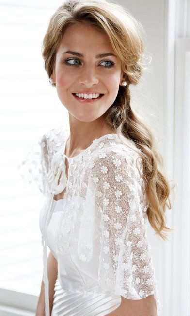 Does A Wedding Makeup Artist Charge : How much does wedding makeup cost? Heres an idea.