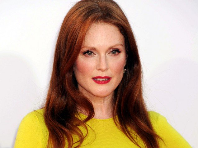 Julianne Moore robbed of $127,000 worth of jewellry