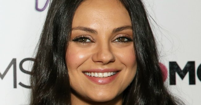 The Mila Kunis wedding ring cost less than 100