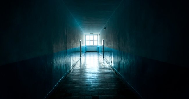 9 Nurses And Doctors Share Their Creepy Hospital Experiences