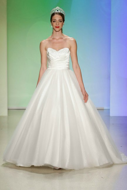 The disney bridal collection 2017 is the stuff of dreams for Wedding dress disney collection