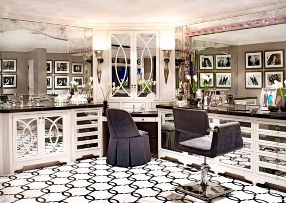 Sorry to tell you but kris jenner 39 s kuwtk house is a big for Decoration maison kris jenner
