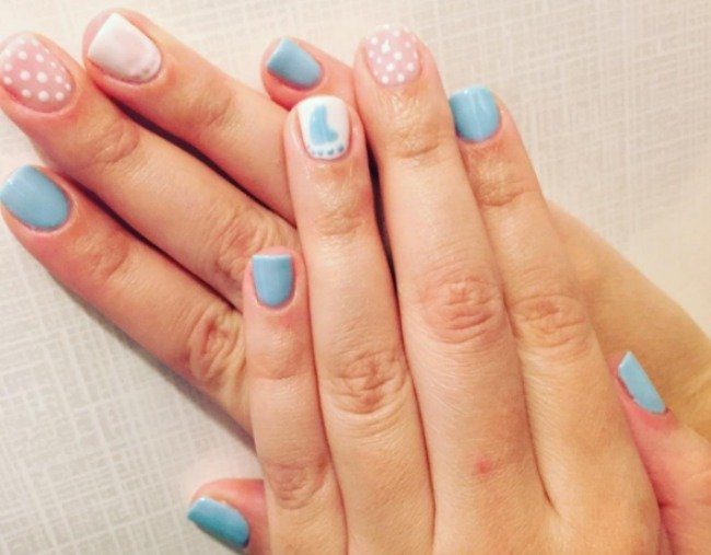 gender reveal nail art