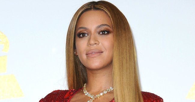 A 'minor issue' has kept Beyonce and her newborn twins in hospital longer than expected.