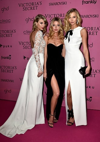 Taylor Swift, Martha Hunt and Karlie Kloss