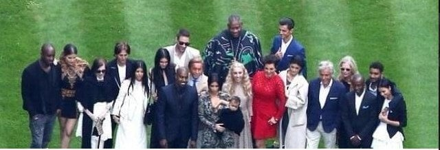 The whole Kardashian clan at the wedding (Image via @kimobsessed on Twitter)
