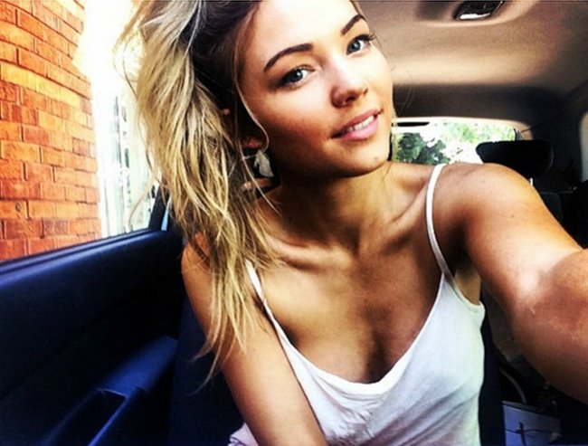 Sam Frost looking gorgeous as always