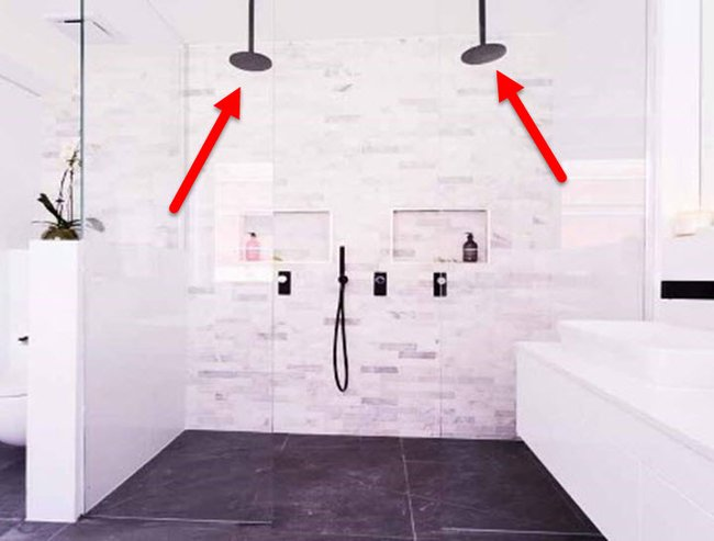 Please explain: What is up with the double shower head?